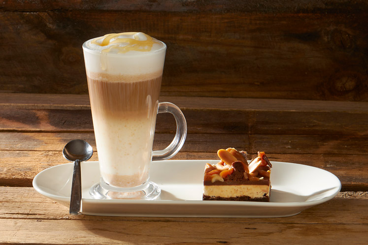Honey & peanut latte