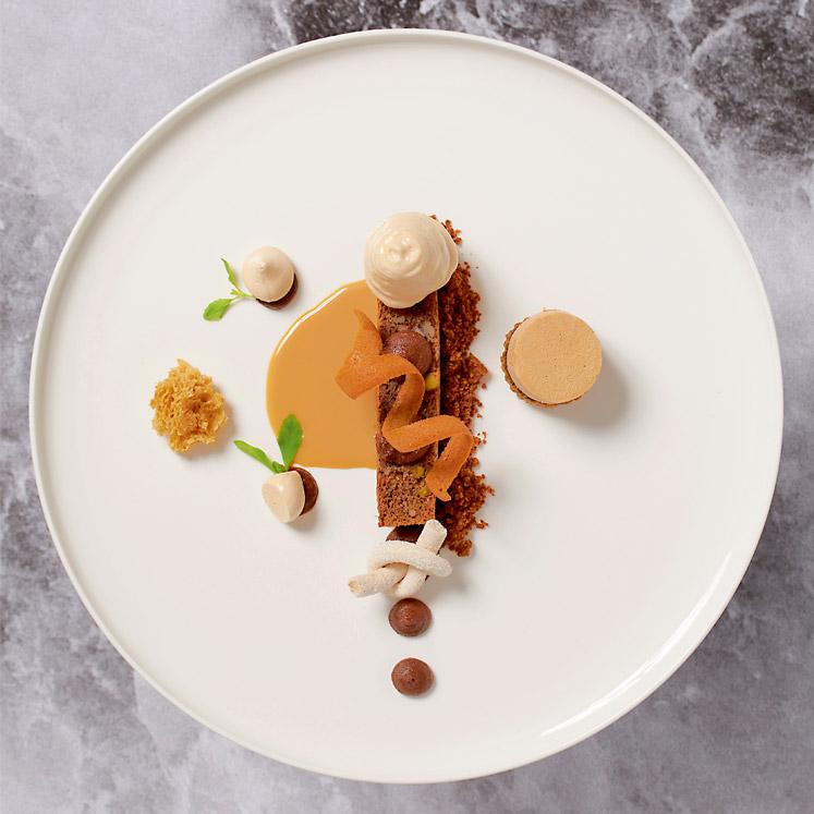 Culinair dessert met karamel