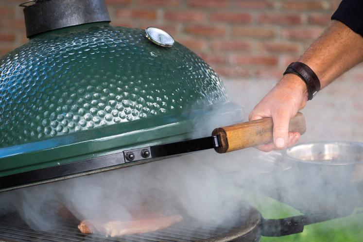 Kamado barbecues