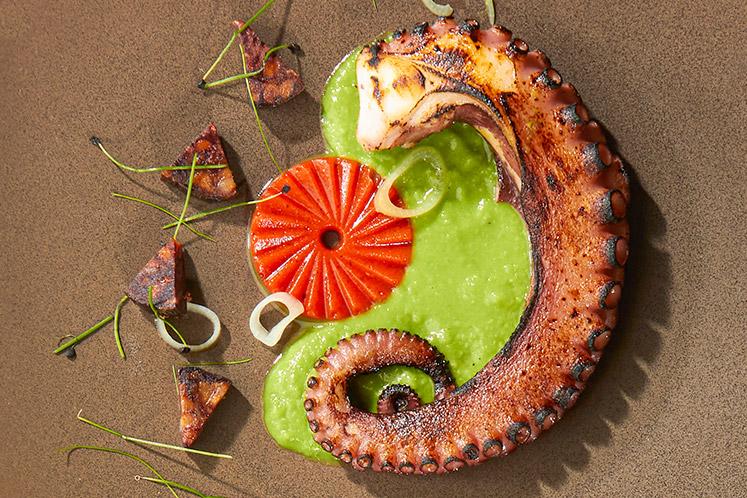 Octopus met gebraden paprika en chorizo