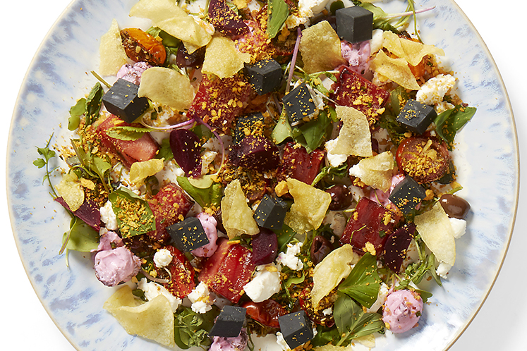 Zomerse salade met gegrilde watermeloen