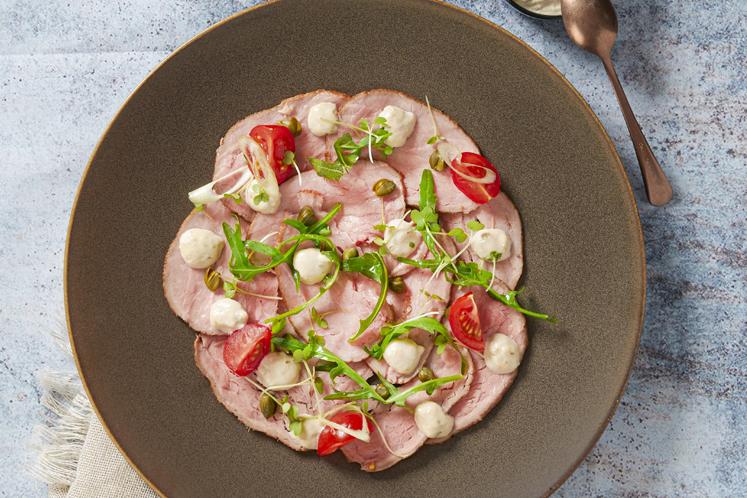 Vitello tonnato met tonijn mayonaise