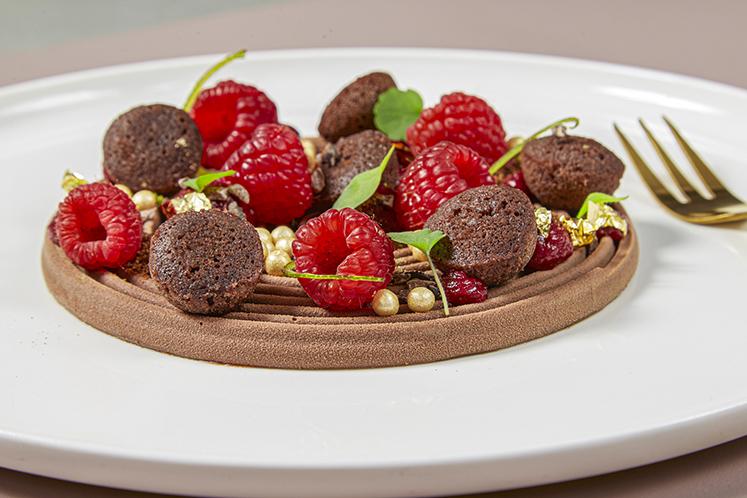 Chocolade dessert op bord