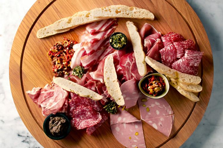 Vleeswaren | Van der Zee Horecaslager