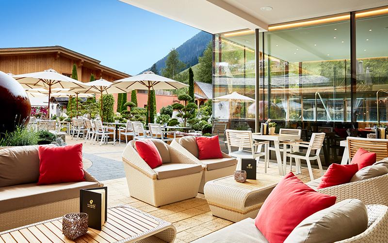 HANOS internationale horeca groothandel: Kaja Interieurs voor uw terras inrichtin
